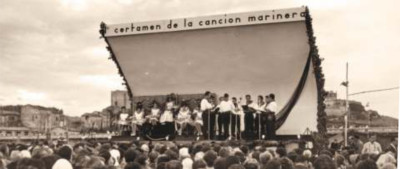 Foto histórica del Certamen de la Canción Marinera